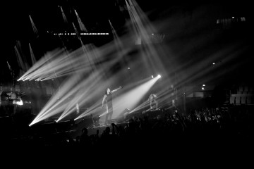 Maxim and The Prodigy's light display - Morgan Walker for Finland Today