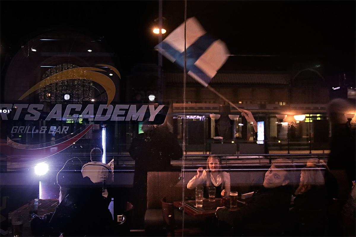 ft-icehockey-gold-street-2