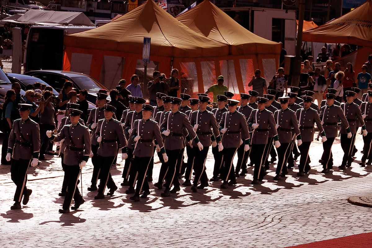 The military parade marching in front of the Presidential Palace to honour the visit of Grand Duke Henri and his spouse. Picture: Tony Öhberg for Finland Today