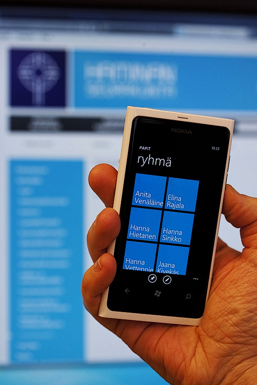 Microsoft Stops Manufacturing Mobile Phones, Results in 1,350 Job Losses in Finland