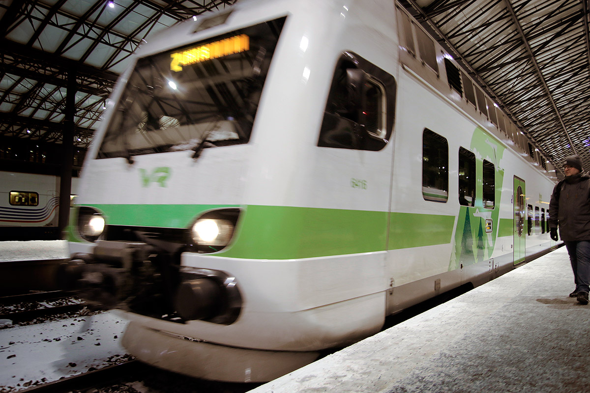 The severe winter weather forces the commuter trains to run on a reduced schedule for the third day in a row. Picture: Tony Öhberg for Finland Today