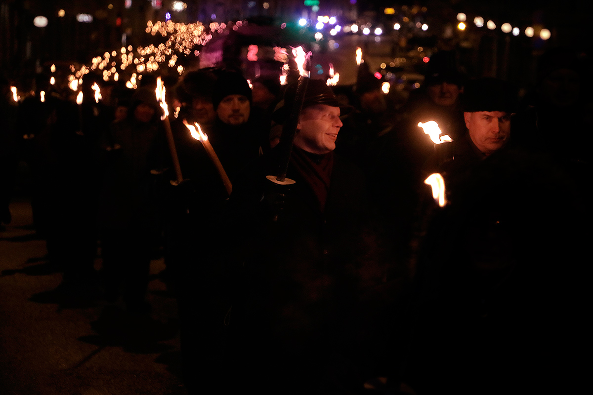 Nearly 3,000 people attended the 612 torchlight procession, which walked from Töölöntori to Hietaniemi Cemetery. Picture: Tony Öhberg for Finland Today