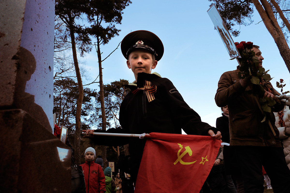 Russians Celebrate Their First 'Victory Day' in Finland