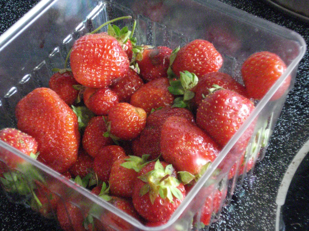 Domestic, Open Land Strawberries To Arrive At Stores Next Week