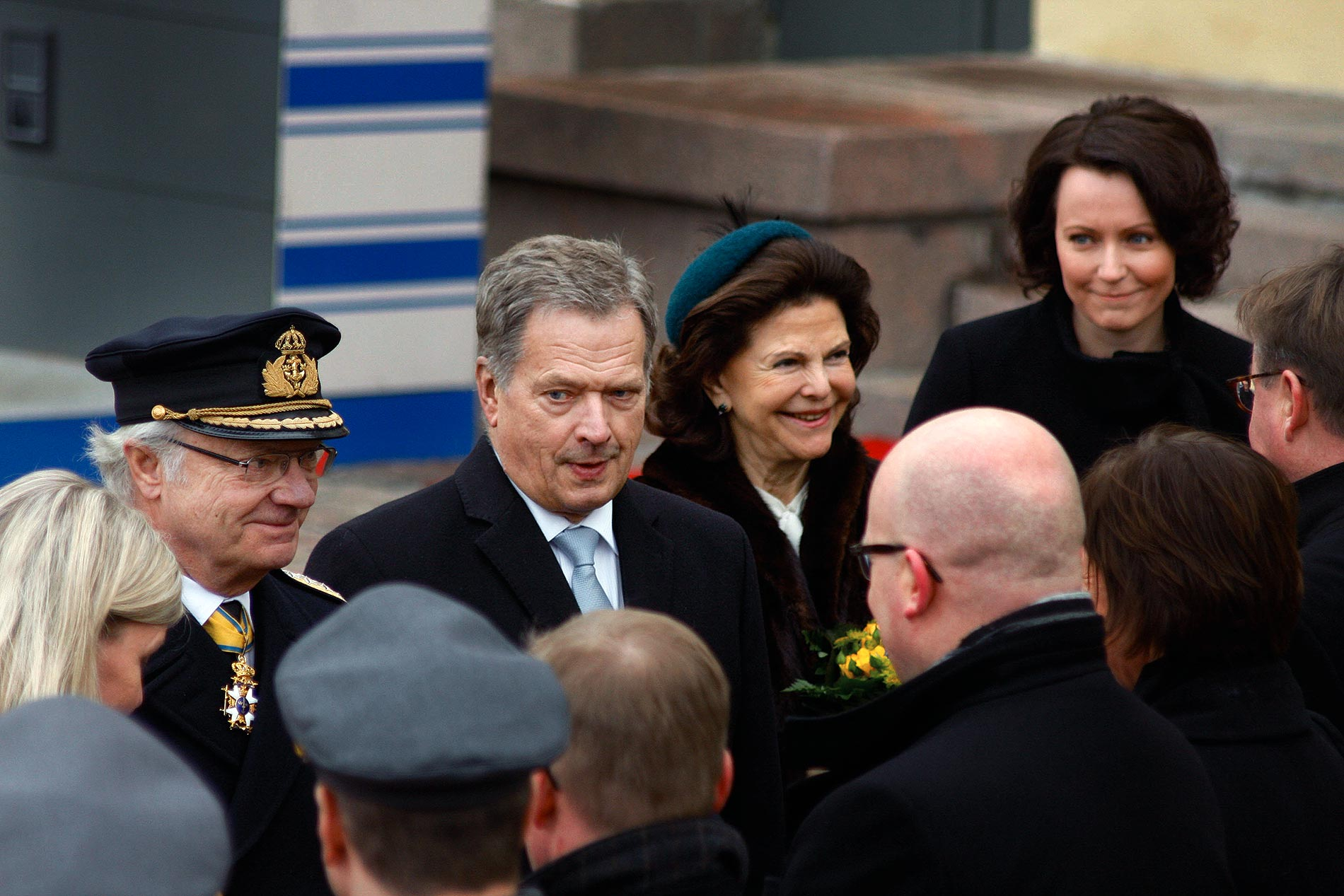 PICTURES: King Gustaf and Queen Silvia of Sweden Arrive at the Presidential Palace