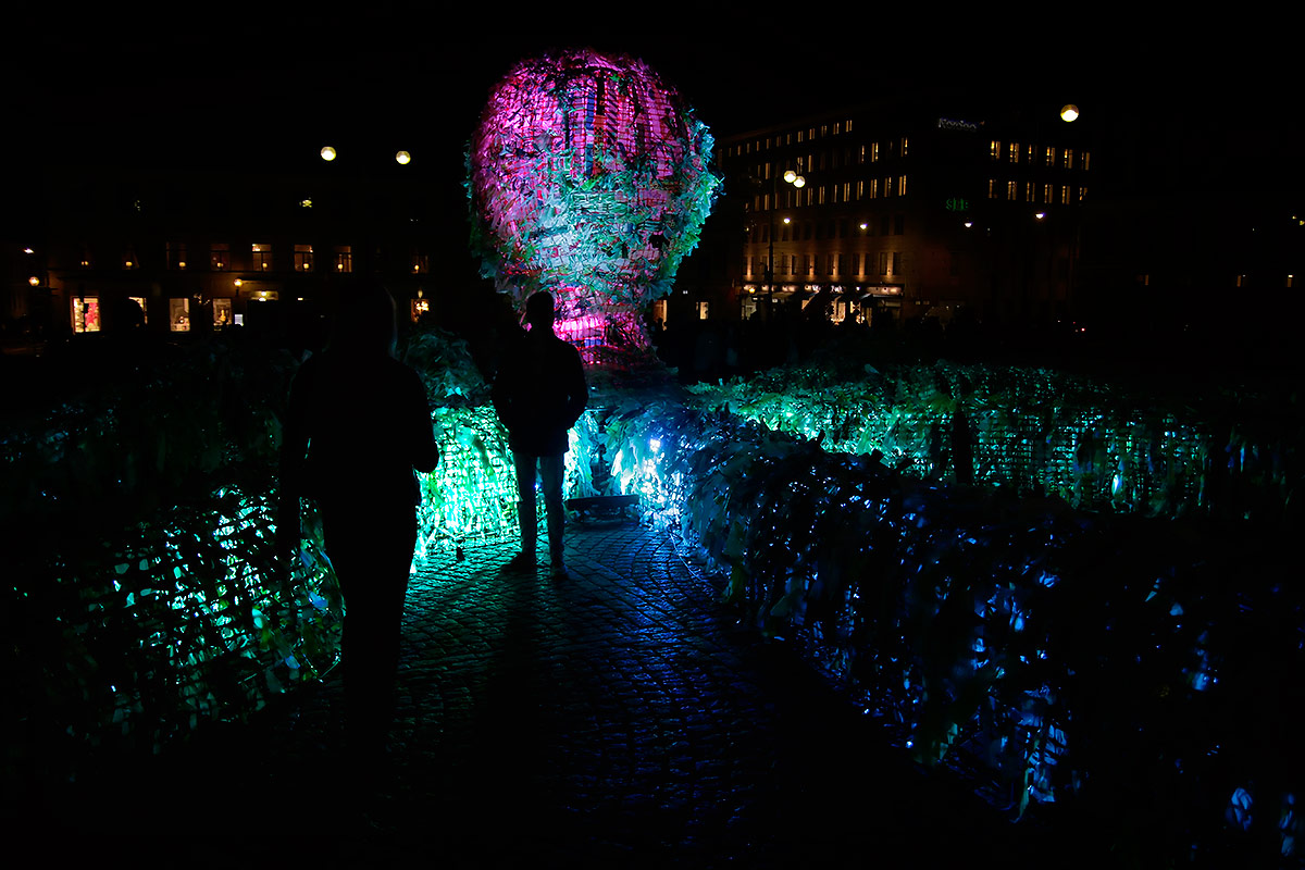 People marveling Korean artist Choi Jeong Hwa's marine installation 'Sea Lives', which is created from recycled plastic at the Senate Square. This colorful art blends Korean tradition with the urban way of the world and global consumer culture. Picture: Tony Öhberg for Finland Today