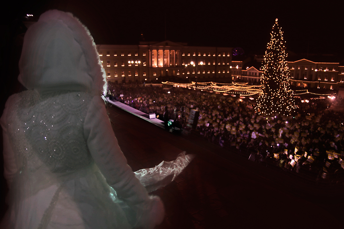 Saara Aalto, the X Factor UK finalist, observing the crowd of ten thousand from the steps of the Helsinki Cathedral at the Senate Square in Helsinki on December 5, 2016. Picture: Tony Öhberg for Finland Today