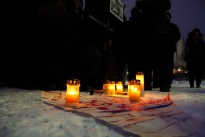 Hundreds of people write and draw condolences in Helsinki for victims of Charlie Hebdo attack
