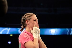 The Fight in Pictures: Eva Wahlström Wins the World Championship Title