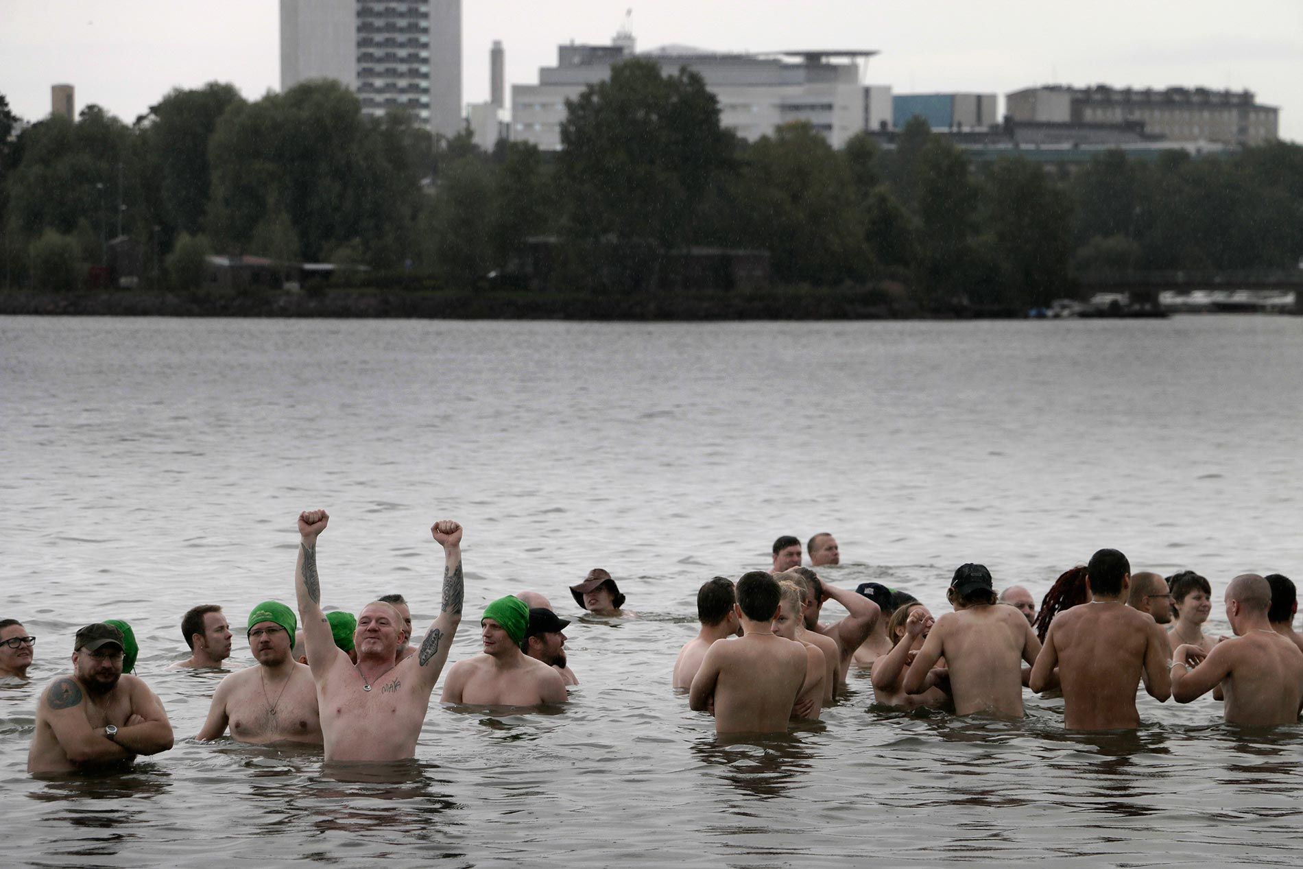 Hundreds gather to attempt Guinness World Record in Nude Swimming in Helsinki