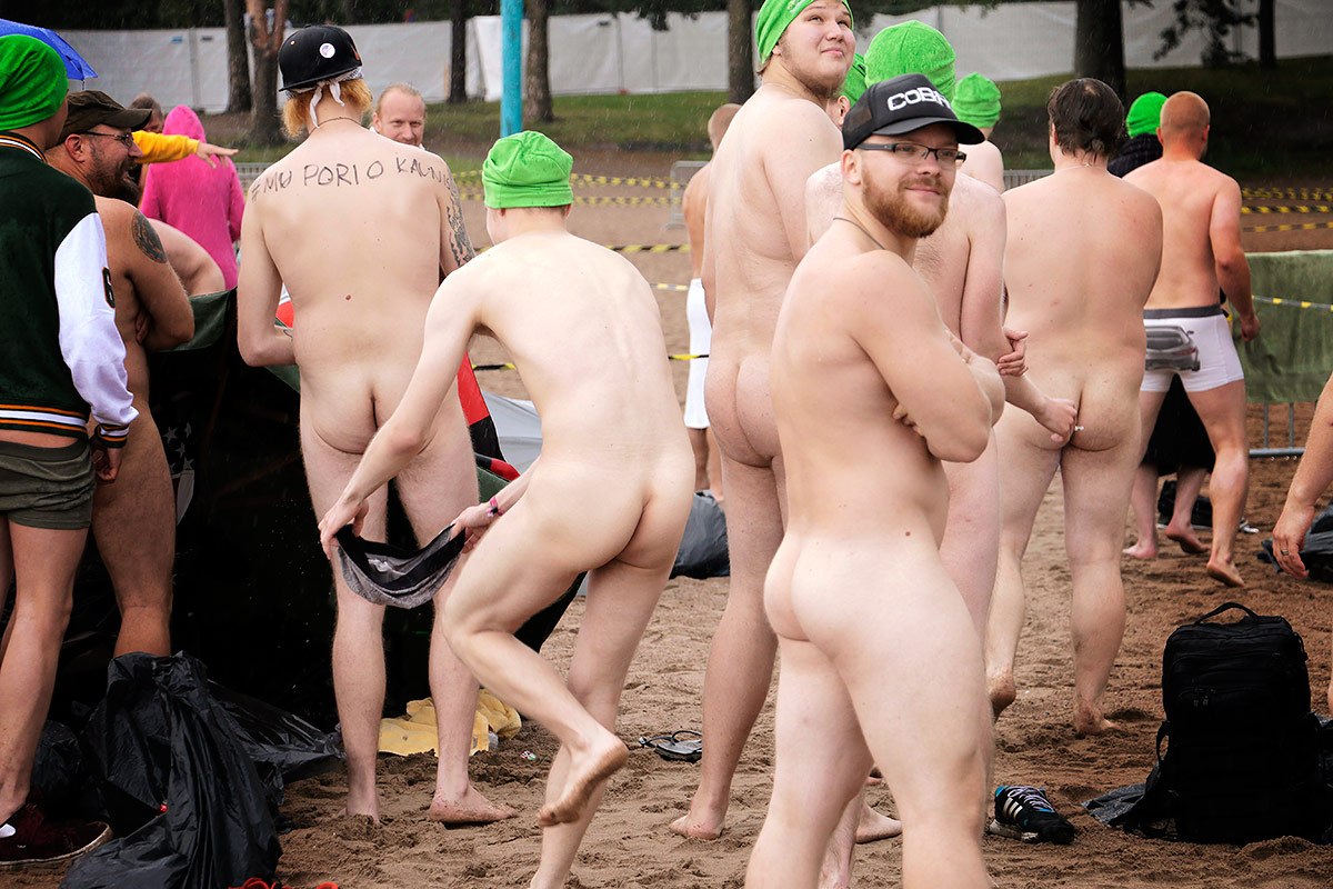 Hundreds Gather To Attempt Guinness World Record In Nude -5834