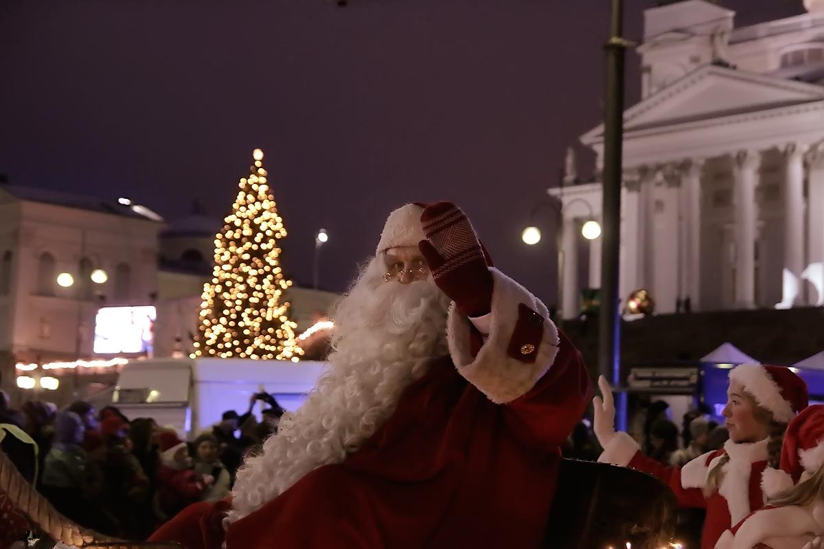 ft-christmas-street-santa-claus