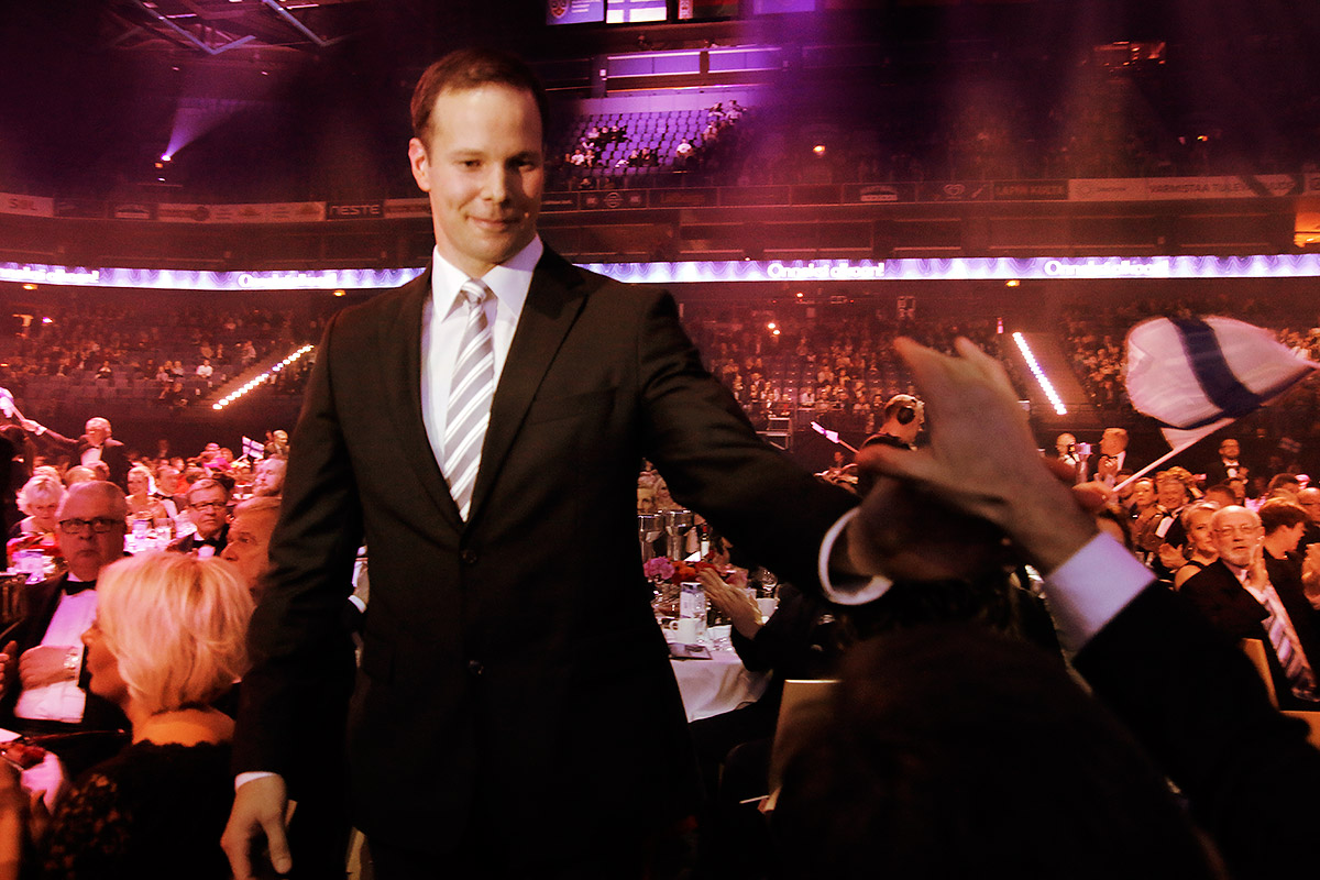 Javelin thrower Tero Pitkämäki receiving a high five after being announced as the Athlete of the Year at the Sports Gala at Helsinki Arena on Tuesday January 5 2016. Picture: Tony Öhberg for Finland Today