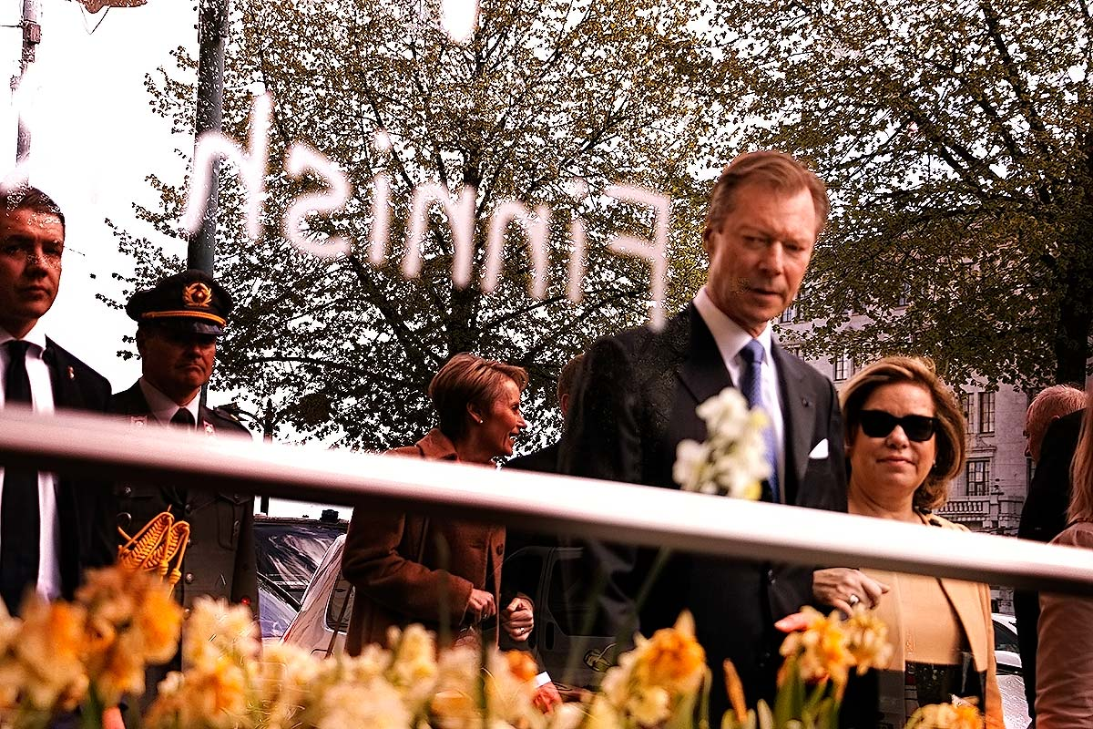 Grand Duke Henri and his fiancée marveling the sights at the Northern Esplanade. Picture: Tony Öhberg for Finland Today