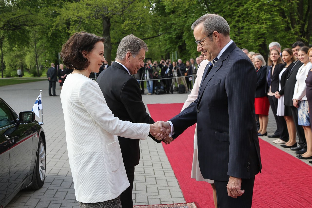 The president of Estonia, Toomas Hendrik Ilves, with his spouse receiving President Sauli Niinistö and Mrs Jenni Haukio at the official state visit in Tallinn, Estonia on May 17 2016. Picture: Juhani Kandell/ The Office of the President of the Republic of Finland