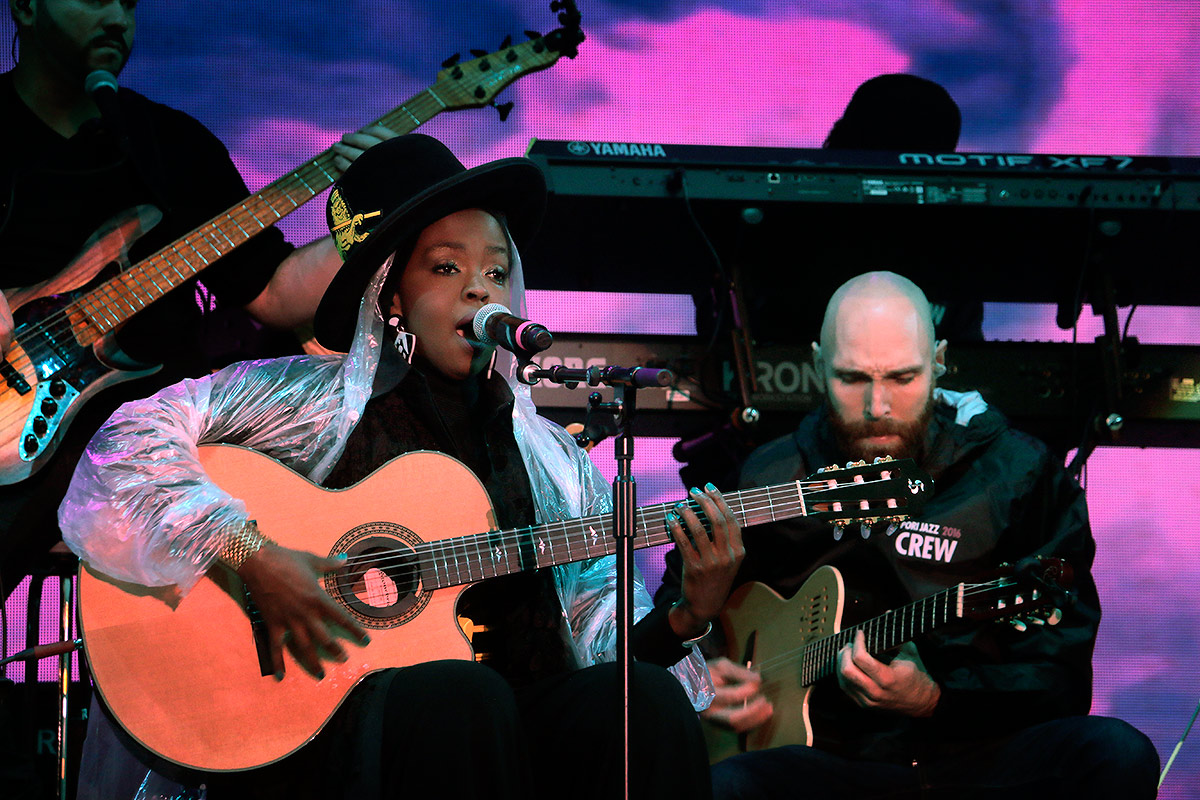 "Lauryn Hill played her popular songs such as ""Doo Wop (That Thing) with an artistic and acoustic flair. Picture: Tony Öhberg for Finland Today"