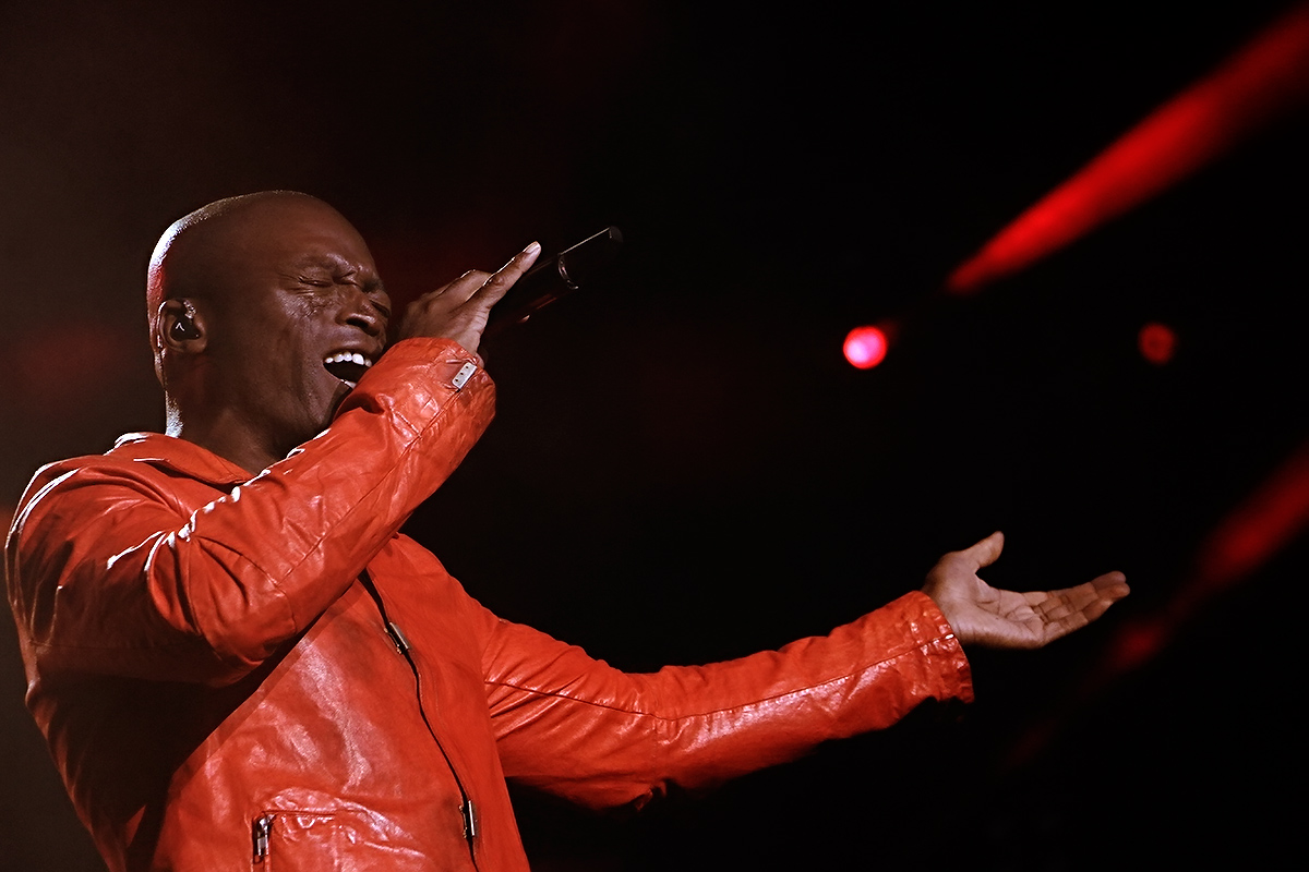 "Seal opened with his '90s hit ""Crazy."""