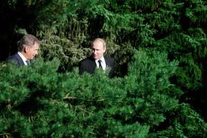 President Niinistö Calls Merkel, Then Putin