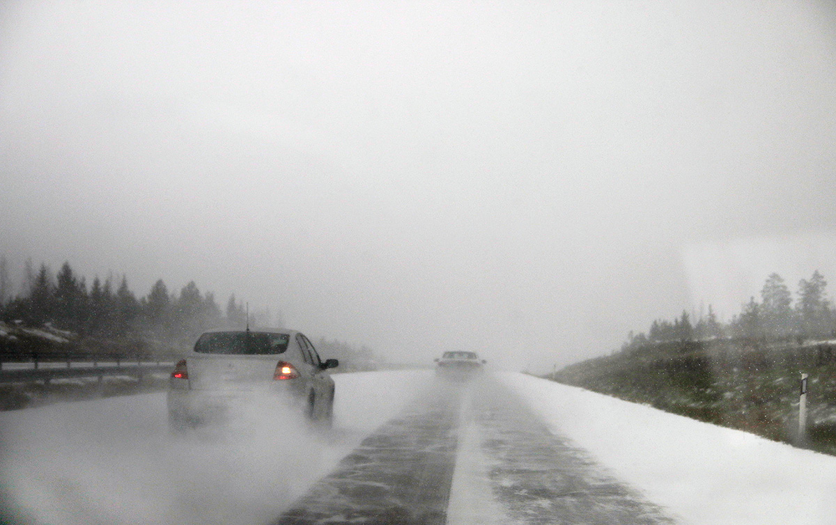 A car passing another on the highway number 7 during the first snowfall at Uusimaa region on November 2 2016. Picture: Tony Öhberg for Finland Today