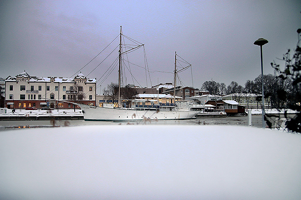 The Highest Snowdrifts Rise in Southern Finland – Northern City of Tornio is Snowless