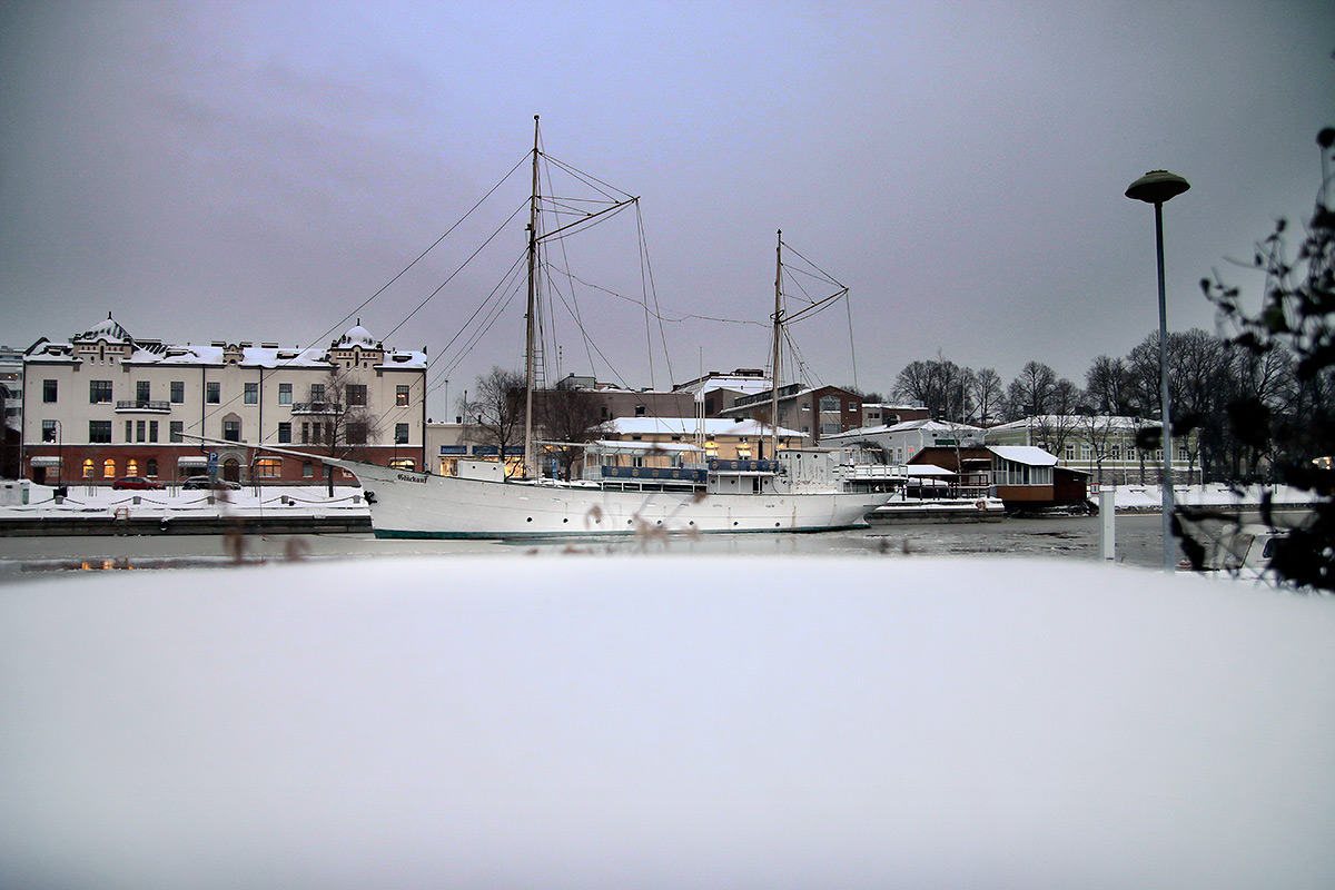 A rigged ship floats in the unfrozen Porvoo River on November 8, 2016. Picture: Tony Öhberg for Finland Today