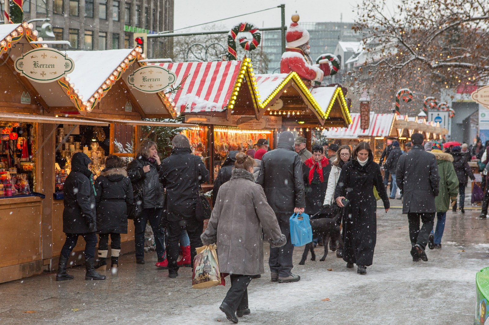 12 Killed in Berlin When Truck Drives Into Christmas Market  – President Niinistö: Clear, It Was Intentional