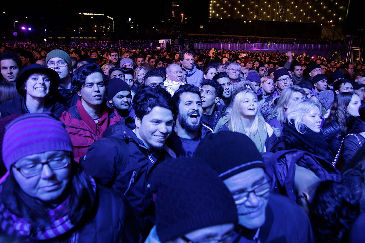 Over 50,000 people squeezed into the Citizens' Square to watch stellar performances of Finnish artists. According to police, the New Year's celebration was joined by 100,000 people. Picture: Tony Öhberg for Finland Today