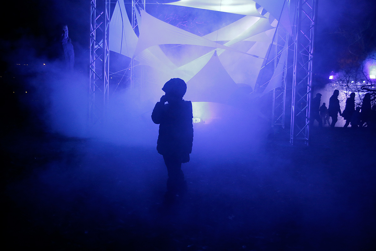 Karri Kola's visual lights installations illuminated the Töölö Bay area. Picture: Tony Öhberg for Finland Today