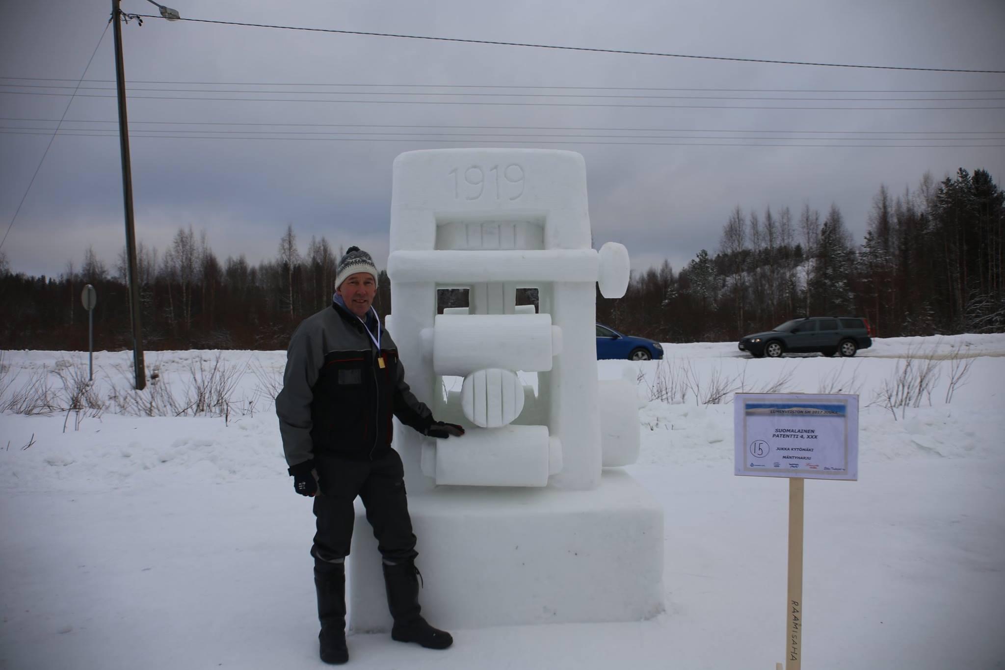Video: Snow Sculptors Compete In Finnish Championships in Juuka