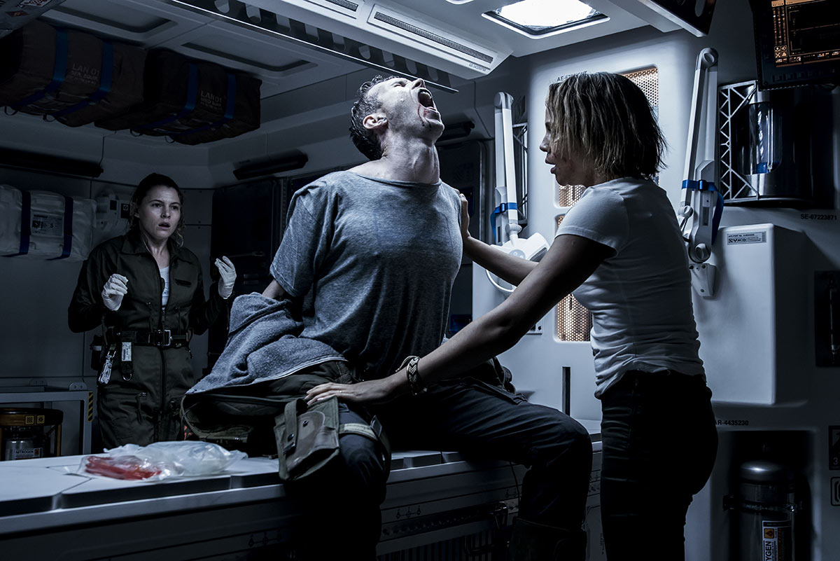 'Alien: Covenant' Film Review: Weird Sci-fi Mess That Is For True Fans Only