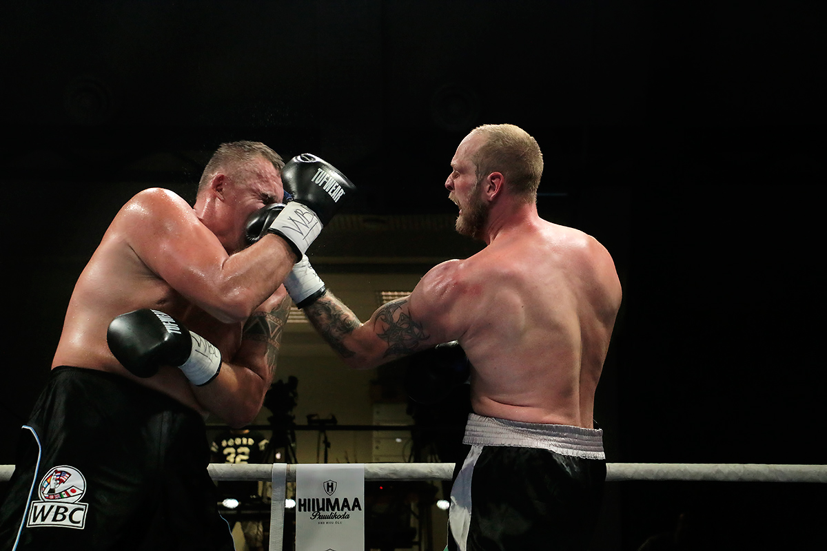 Helenius Hammers Home WBC Silver Title Against 'The Headbutt From Hell'
