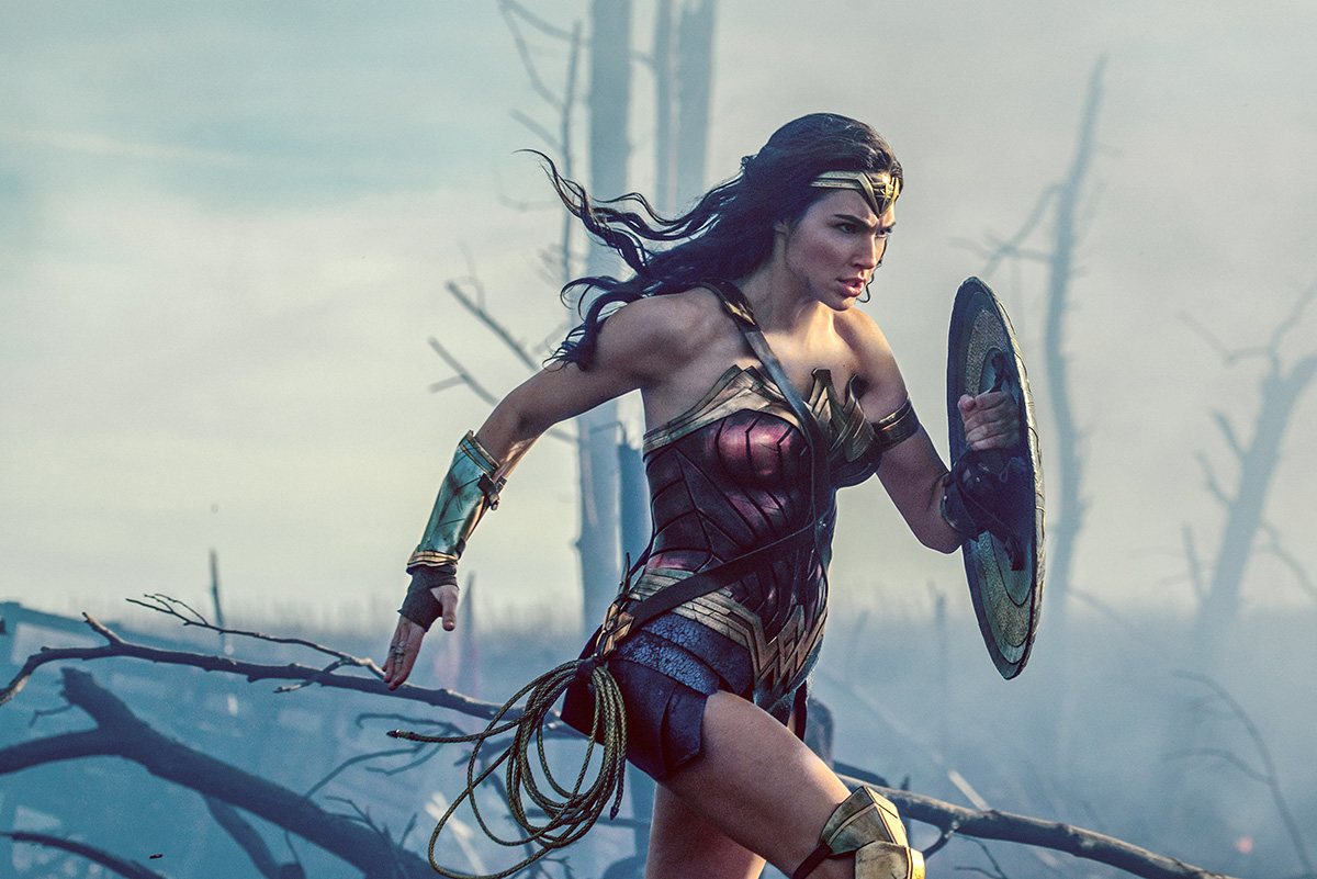 'Wonder Woman' Film Review: A Superheroine in a Super Film, Who Doesn't Spare Evil Men