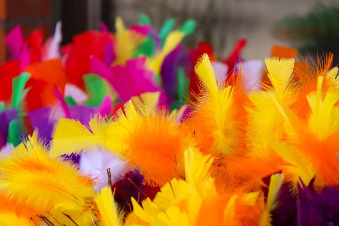 Happy Easter! – Hyvää pääsiäistä! – Glad påsk!