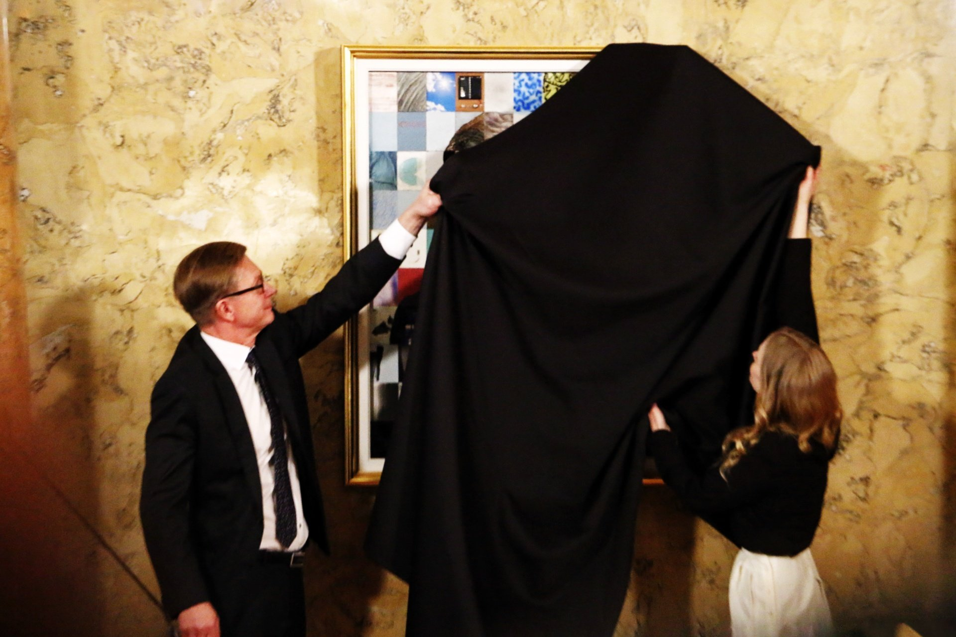 The Portrait of President Sauli Niinistö is Revealed – View the Pictures