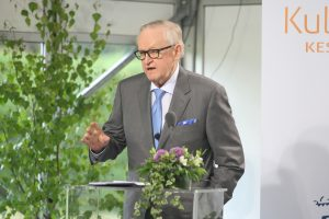 Former President Ahtisaari in Kultaranta: We Are Harming the World By Labeling Democracy, Law and Hu...