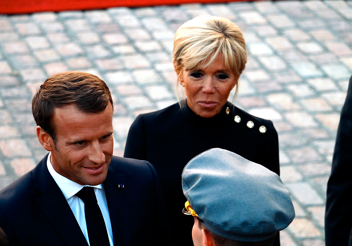 French President Emmanuel Macron Arrives at The Presidential Palace With His Spouse Brigitte – VIEW THE PICTURES