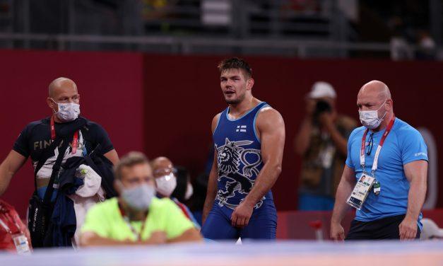 Wrestler Arvi Savolainen Loses His Chances for the Bronze