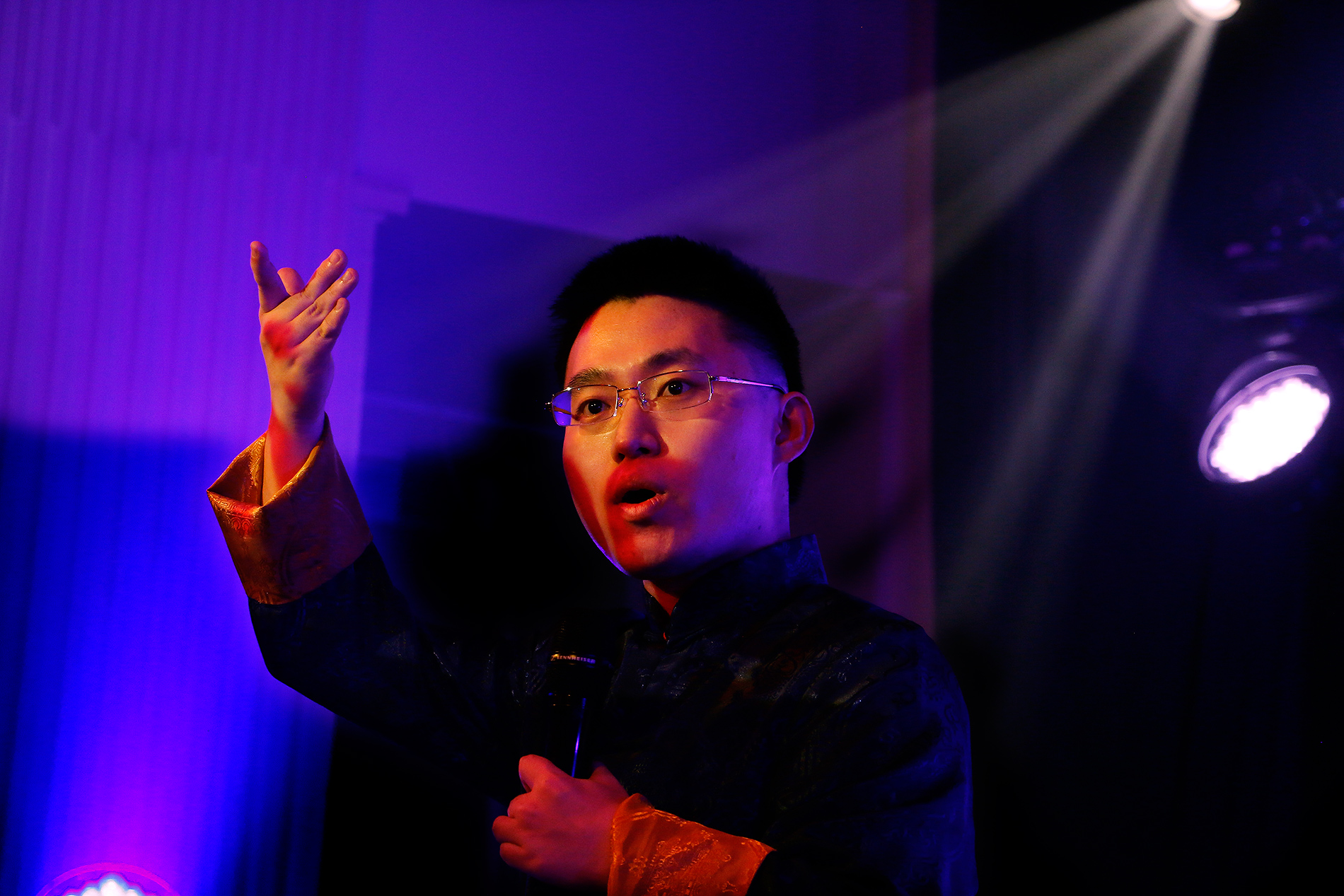Zeping Meng performs a classical Chinese poem about General Yue Fei. Picture: Tony Öhberg for Finland Today