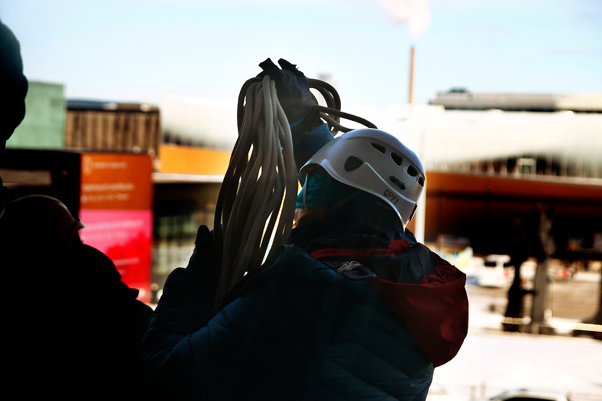 Climbing the Parliament Building requires a lot of rope. Picture: Tony Öhberg for Finland Today
