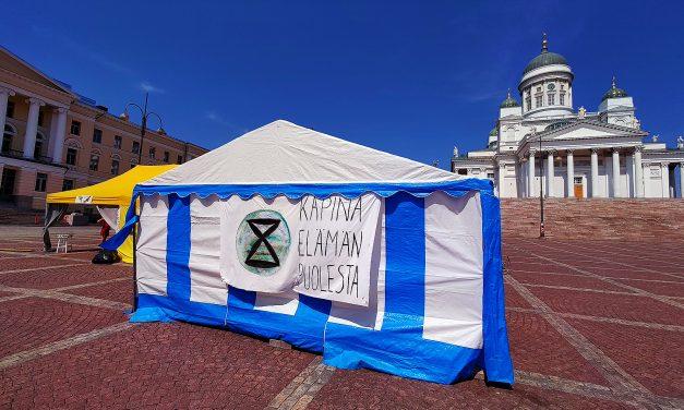 Elokapina Continues Protest at the Senate Square