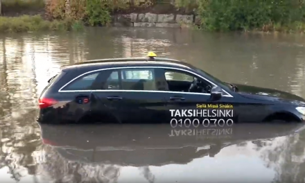 Floods in Uusimaa Region Cause Major Water Damage; Cars Submerge in Rainwater; Water Enters Apartment Buildings