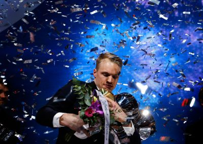 So many prizes and only two hands. Picture: Tony Öhberg for Finland Today