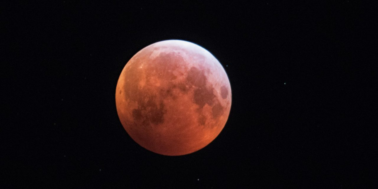 View the Pictures of Super Blood Wolf Moon on Monday Morning as Captured by Finns