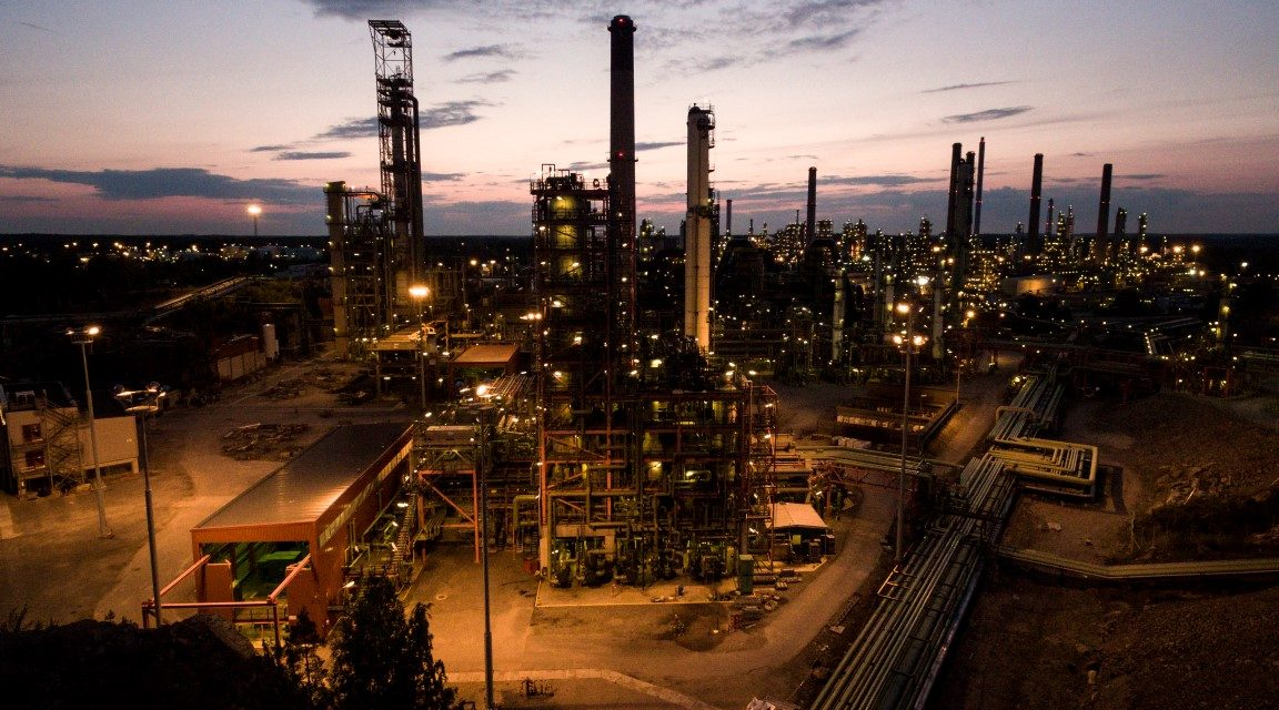 Massive Industry Strikes Begin on Monday; May Cause Disturbances in Fuel and Medicine Supply