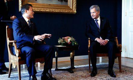 President Niinistö Calls President Moon of Korea