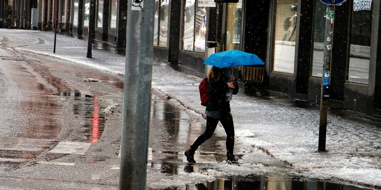 GALLERY: Wet Snow Covers Helsinki