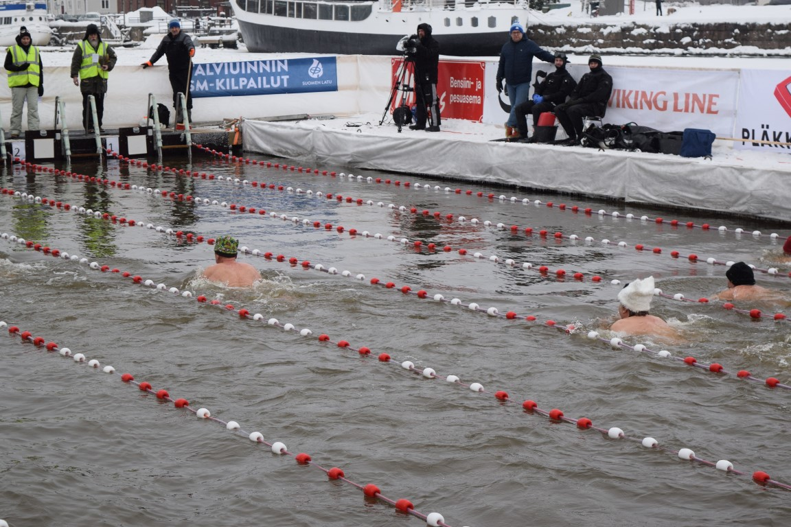 Only a few meters to go! Picture: Kathleen Cusack for Finland Today